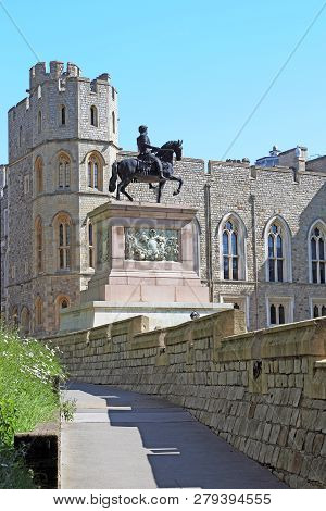 Windsor, Great Britain - May 19, 2014: This Is The Equestrian Statue Of King Charles Ii At The Winds