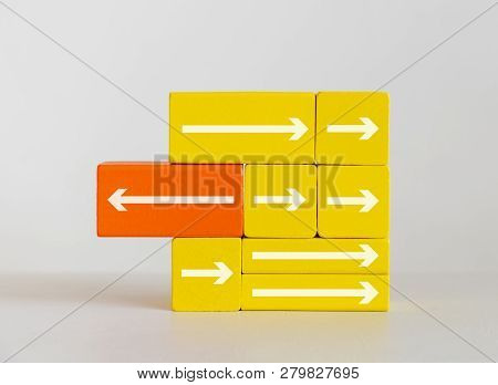 Unique Different Arrow On Wooden Blocks Toys, Different Leadership Concept