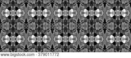 Black And White Vibrant Geometric Swimwear Pattern. Ethnic Seamless Pattern. Summer Mosaic Backgroun