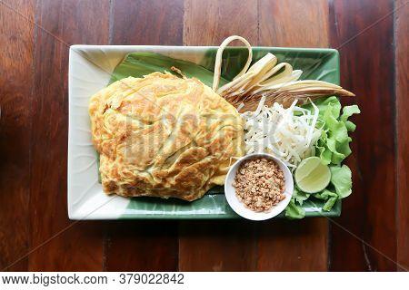Noodle ,stir-fried Noodles Or Noodles Stuffed In Egg Or Pad Thai