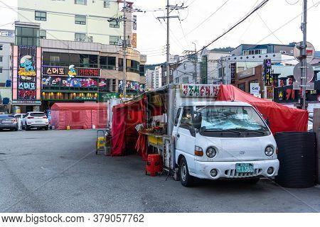 Geoje, South Korea - June 15, 2017: Local Food Truck Park In The Community In Okpo, Geoje Island, So