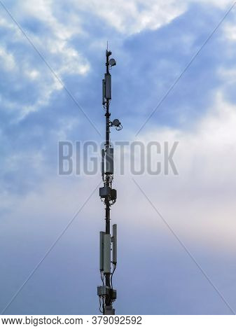 5g Antenna Pole For 5g Telephone And Internet Communication, Iot Internet Of Things Connections And