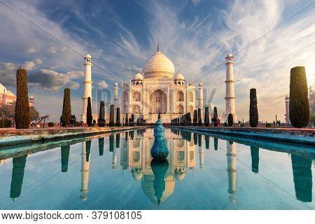 Famous Taj Mahal, Wonderful Sight Of India, Agra