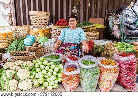 Semarang, Indonesia - November, 01, 2017: Woman Selling Food On A Street Market In Semarang, Indones