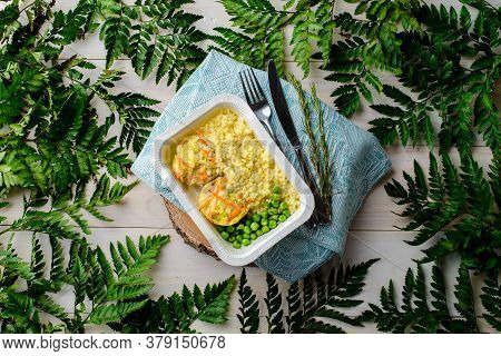 Healthy Food Delivery. Take Away Of Natural Organic Low Carb. Eat Right Concept, Healthy Food, Fitne