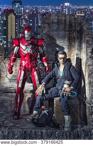 Khonkaen - December 1, 2016 : Marvel Iron Man - Tony Stark Action Figures, Produced By Hot Toys,  On