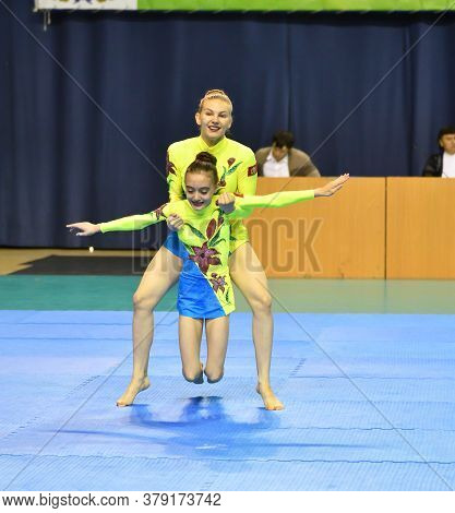 Orenburg, Russia, 26-27 May 2017 Years: Girl Compete In Sports Acrobatics