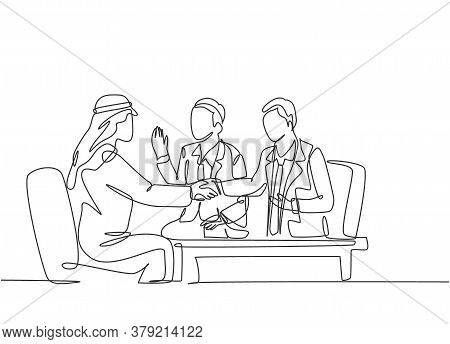 One Continuous Line Drawing Of Young Muslim Business Man Deal Project In Business Meeting . Saudi Ar