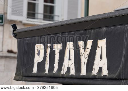 Bordeaux , Aquitaine / France - 07 28 2020 : Pitaya Logo And Text Sign On Entrance For Thai Street F