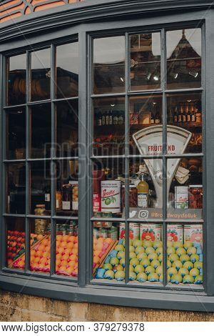 Broadway, Uk - July 07, 2020: Fresh Fruits And Organic Goods In A Window Of A Broadway Deli In Broad