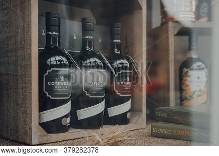 Broadway, Uk - July 07, 2020: Cotswolds Dry Gin A Window Of A Shop In Broadway, A Large Historic Vil