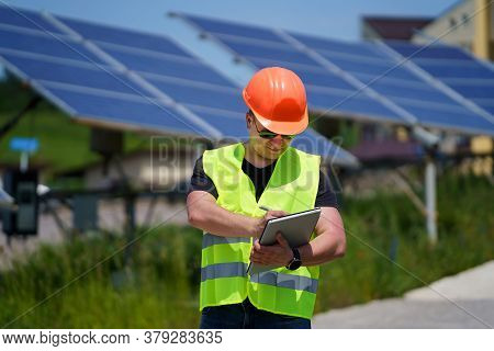 Photovoltaic Power Generation Equipment. Green Energy. Electricity. Power Energy Pannels. Engineer O