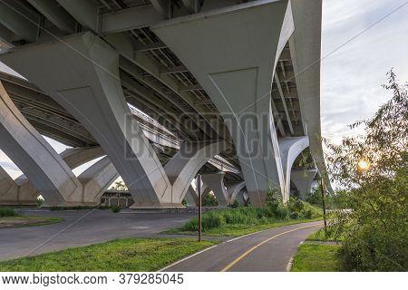 Under The Woodrow Wilson Memorial Bridge, Which Spans The Potomac River Between Alexandria, Virginia