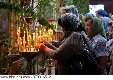 Belarus, The City Of Gomil, April 1, 2018. City Church. Palm Sunday.believers In The Church In Churc