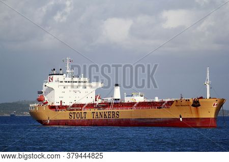 Salvador, Bahia / Brazil - November 3, 2014: Tanker Is Seen In The Waters Of Baia De Todos Os Santos