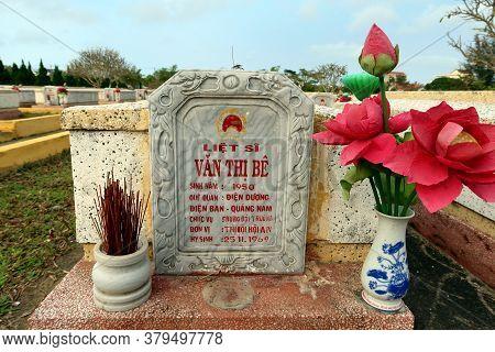Hoi An, Vietnam, February 29, 2020: Tomb Of Văn Thị Bê Died On November 25, 1969 During The Vietnam