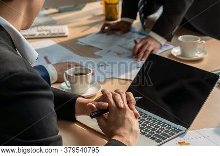 Smart Businessman And Businesswoman Talking Discussion In Group Meeting At Office Table In A Modern