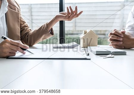 Real Estate Broker Agent Talk Reach Contract Form Presenting And Consult To Customer To Decision Mak