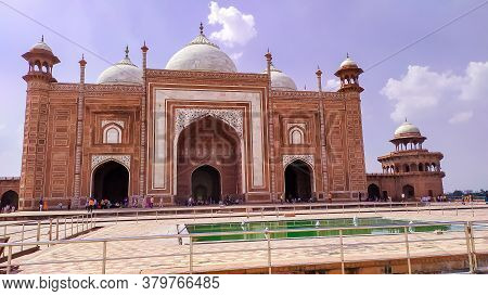 Grand Imperial Sandstone Persian Style Domed Mausoleum Humayun Tomb In The Landscaped Char-bagh Gard