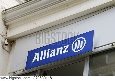 Bordeaux , Aquitaine / France - 08 04 2020 : Allianz Logo And Text Sign Of Insurance Office Wall Bra