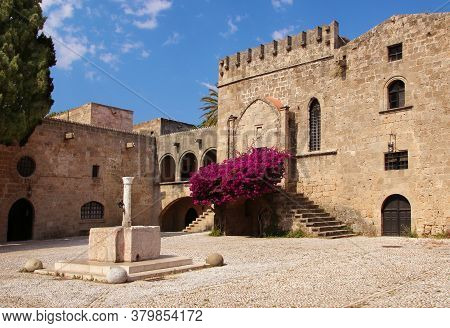 Rhodes, Greece - August 07, 2020: The Old Town Of Rhodes, Fountain And Decorative Art Collection Mus