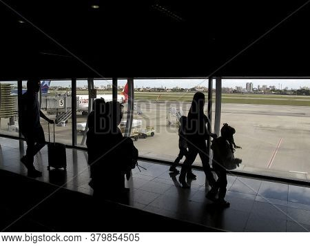 Fortaleza, Ceara / Brazil - July 28, 2018: Handling Of Passengers When Boarding And Disembarking At