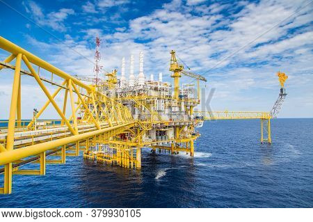 Oil And Gas Central Processing Platform In The Gulf Of Thailand Produced Natural Gas And Liquid Cond