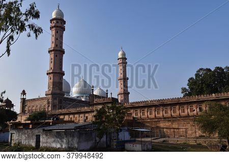 Bhopal, Madhya Pradesh/india - January 17, 2020 : Jama Masjid Or Taj Ul Masjid Or Mosque, This Is On