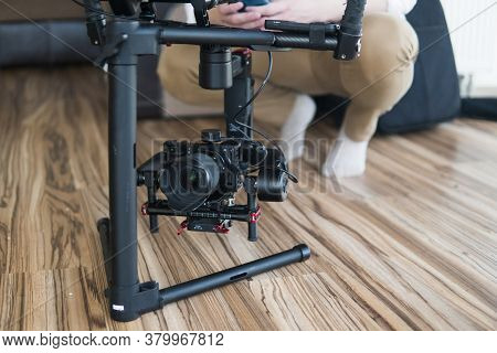 Gimbal Video Camera Dslr, Professional Video Equipment, Videographer In Event Film Production Shoot