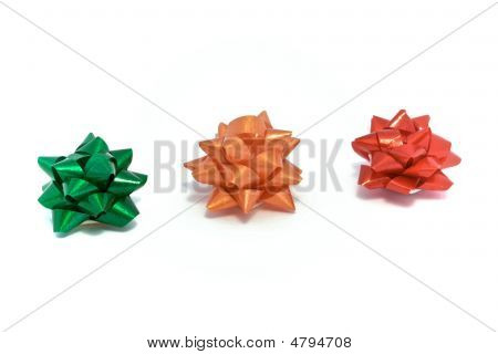 3 Colored Bows