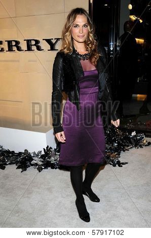 Molly Sims  at the Burberry Beverly Hills Store Re-Opening. Burberry Beverly Hills Store, Beverly Hills, CA. 10-20-08