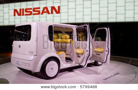 Nissan Denki Cube Ev