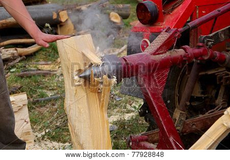Conical wood splitter