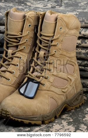 Desert Tactical Boots And Military Tag Chains