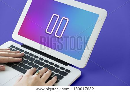 Multimedia Entertainment Pause Button Interface