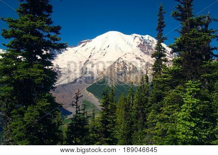 Mt Rainer from South entrance to Mt Rainier National Park
