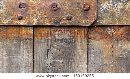 Website banner of an empty brown wooden panel