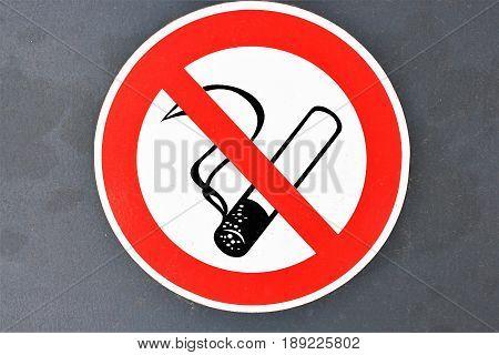 An image of a no smoking sign