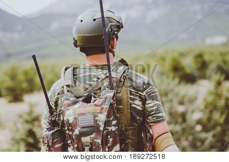 radio operator soldier portable communication transceiver pack