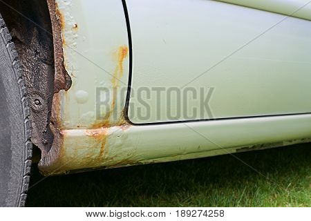 Car threshold , and wheel arch rusting