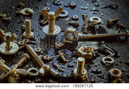 This industrial fasteners are not afraid of dampness and the real rain.The screws and nuts will not rust. Corrosion they are not afraid.