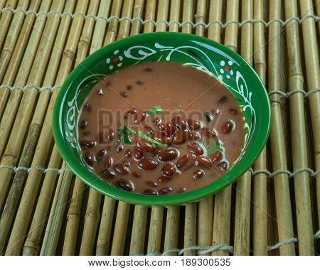 Kidney Beans In Coconut Sauce