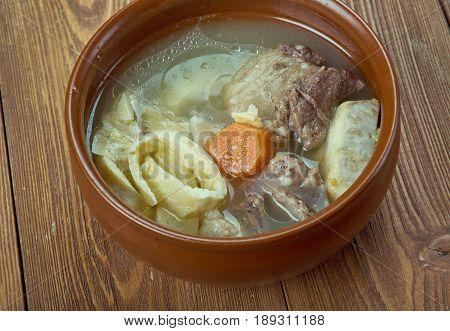 Klassische Wiener Rindsuppe