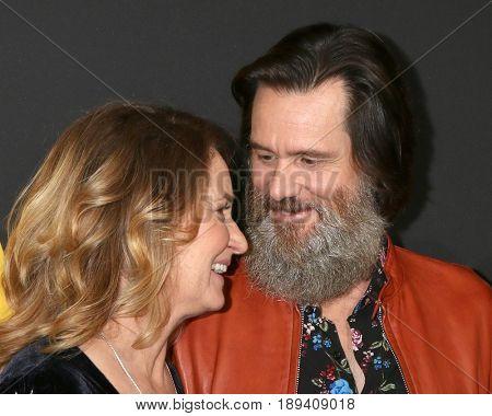 LOS ANGELES - MAY 31:  Melissa Leo, Jim Carrey at the Showtime's