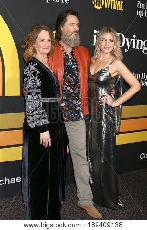 LOS ANGELES - MAY 31:  Melissa Leo, Jim Carrey, Ari Graynor at the Showtime's