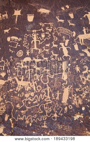 Petroglyphs at Newspaper Rock near Indian Creek near Moab, Utah