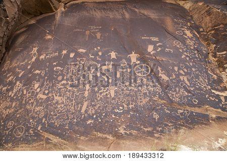 Petroglyphs at Newspaper Rock near Indian Creek near Moab, Utah