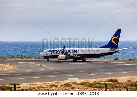 Arecife, Spain - April, 15 2017: Boeing 737-800 Of Ryanair With The Registration Ei-ebn Ready To Tak