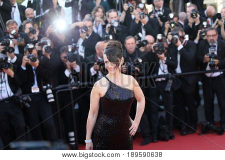 Juliette Binoche attends the Closing Ceremony during the 70th annual Cannes Film Festival at Palais des Festivals on May 28, 2017 in Cannes, France.