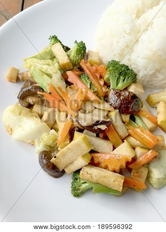Stir Fried Tofu In Chinese Style, Deep Fried Tofu With Gravy Sauce ,stir Fried Tofu With Mixed Veget